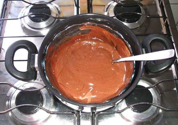 Mousse de chocolate - 3° passo